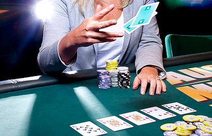 Top Tips For Playing Online Poker