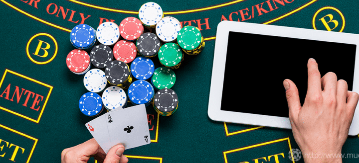 Get some discounts on the deposits by using the bonus codes in online casinos.